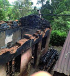 spáleniště domu Lukongových